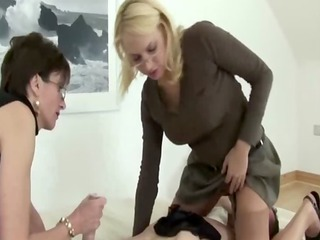 lady sonia lets her friend queen sub while