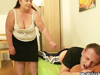 during the time that his wife away he nails her