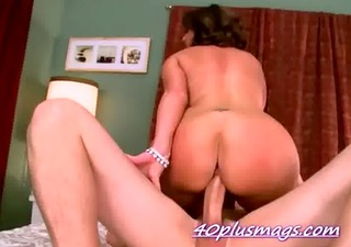 pounding a hawt older mother