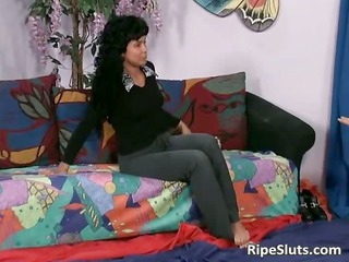 latina wench squirts during the time that lad