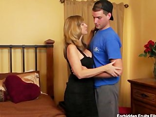 tookie lookalike milf jodi west fucks her son