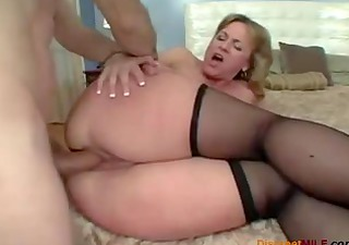 large butt mamma likes anal sex