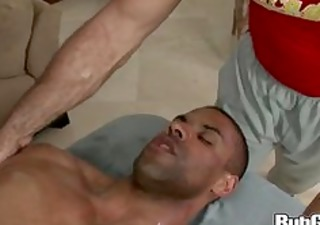 rubgay muscule man massage