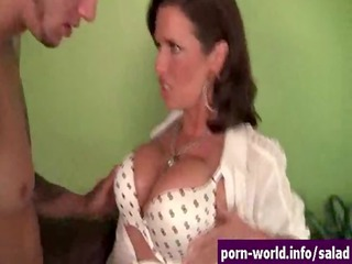 Wild Hot MILF Veronica Avluv Feasts On Man Ass