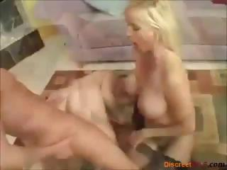 mother and daughter receive jointly for some hawt