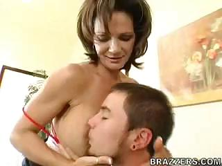 Big-ass mature deauxma turns this young boy into
